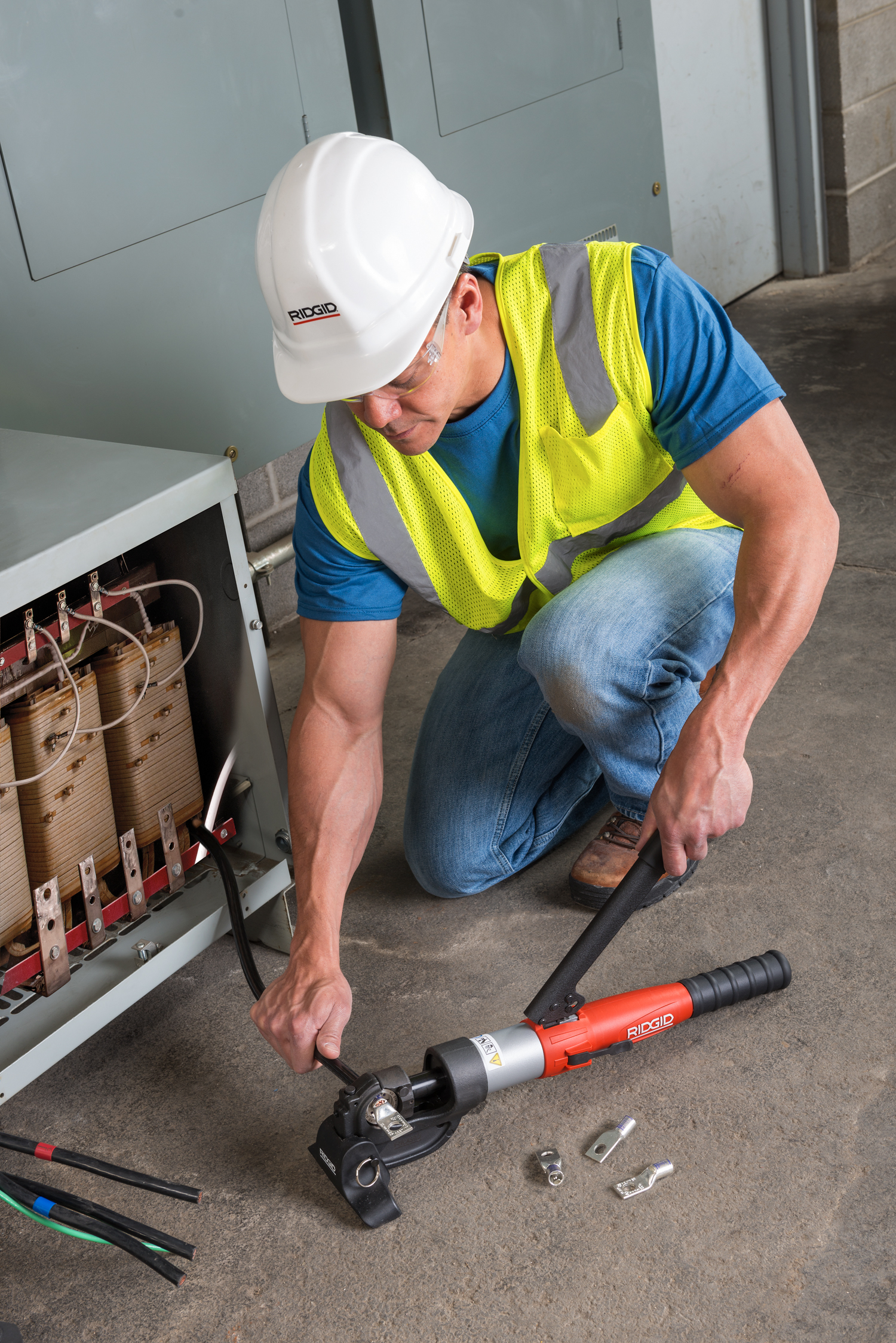 RIDGID® Introduces the Lightest, Easiest to Use 12-Ton Manual Hydraulic Crimp Tool