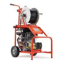 """KJ-3100 hogedrukreiniger met puls – H-111 en H-112 1⁄4"""" NPT-sproeiers – H-38 slanghaspel met 200' x 3⁄8"""" (61 m x 10 mm) ID sproeislang – 50' x 3⁄8"""" (15 m x 10 mm) ID-sproeislang – FV-1 voetpedaal – gereedschap om spuitkoppen te reinigen – HW-30 wasstaaf – Root Ranger voor het losspuiten van wortels – HF-4 slang met snelkoppeling"""