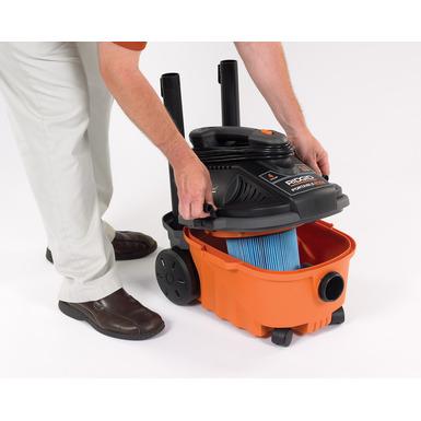 Aspirateur sec/humide portable de 15 litres (4 gallons)