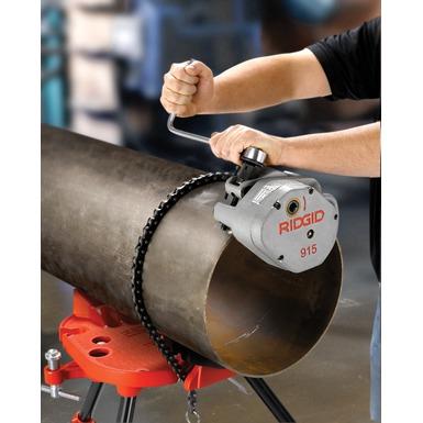 460 – Prensa portátil con cadena y ranurador de rodillo 915