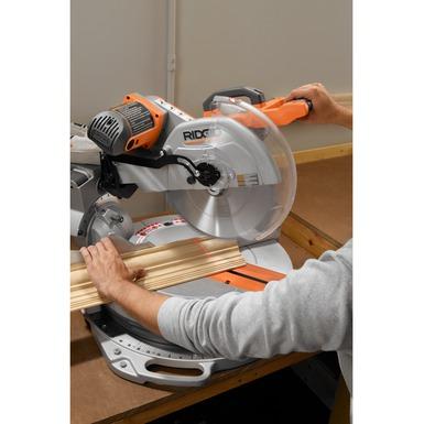 Scie à onglets coulissante de 12 pouces avec laser réglable
